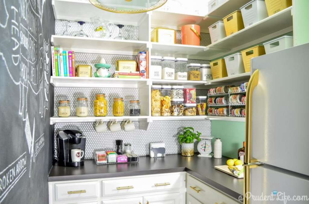 3 Smart Lessons to Steal from This Pantry Makeover