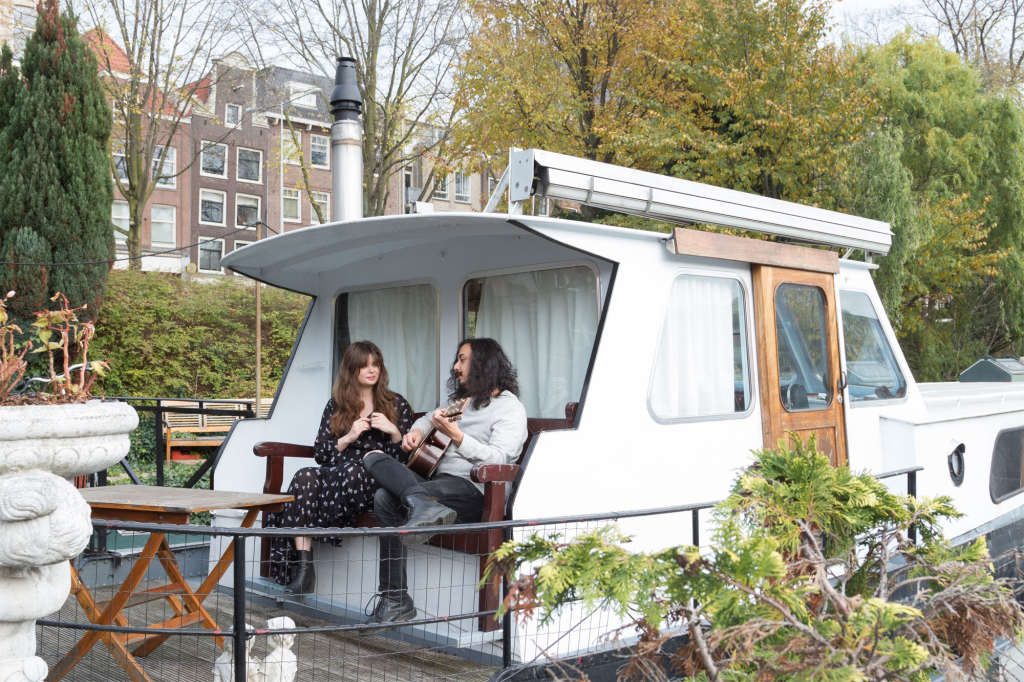 A Cozy Rented Amsterdam Houseboat