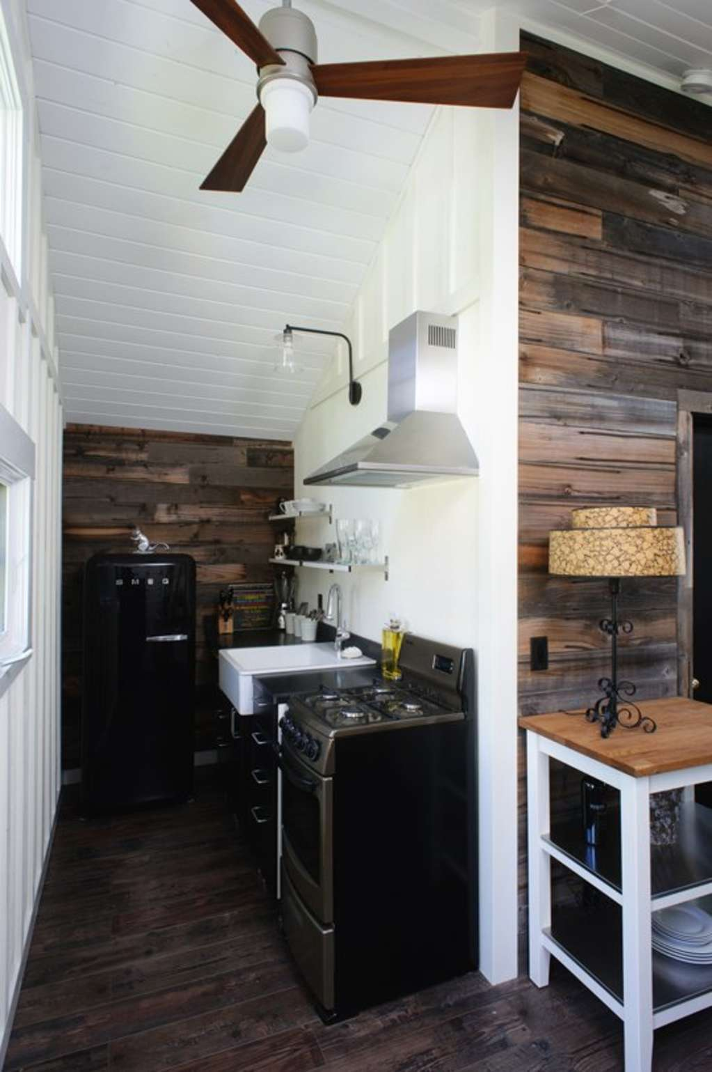 Vote! Small Cool Kitchens Week 3 and 4