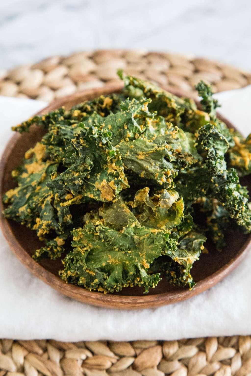Recipe: Cheesy Vegan Kale Chips