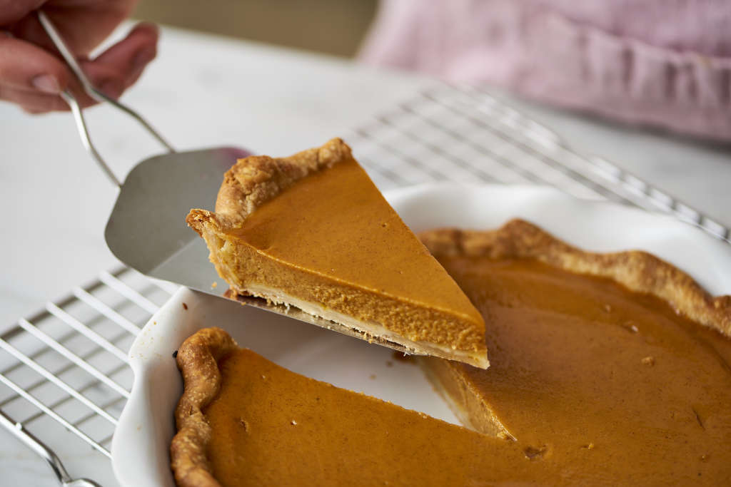 How To Make Classic Pumpkin Pie for Thanksgiving