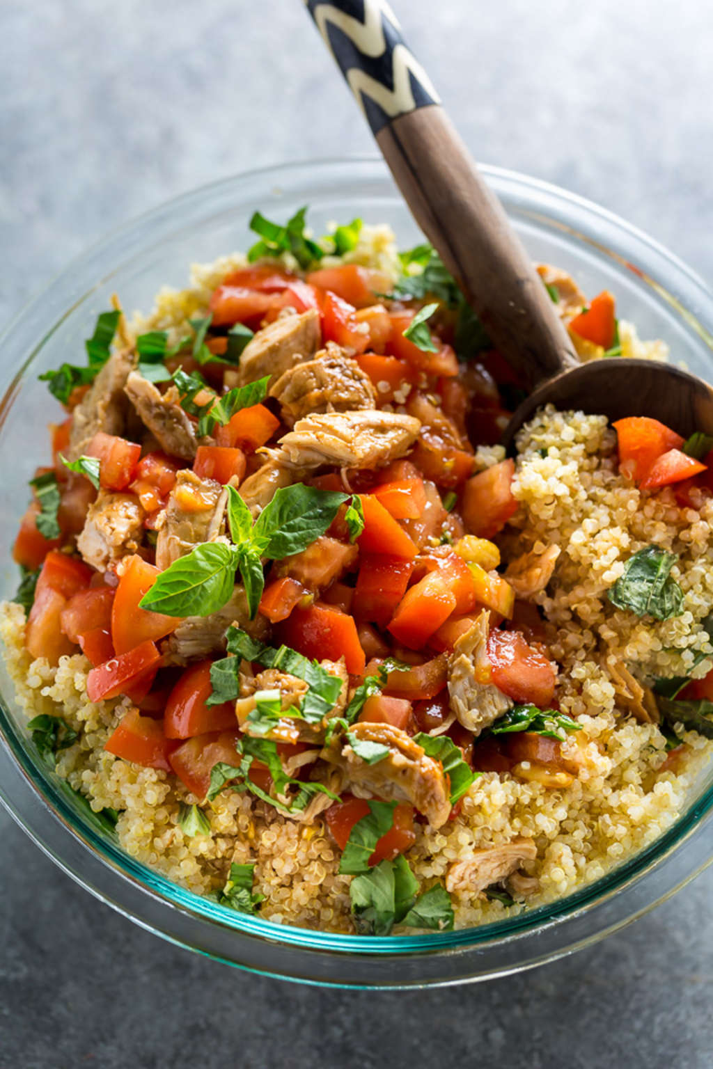 Got 20 Minutes? Then You Can Make This Chicken & Quinoa Salad.
