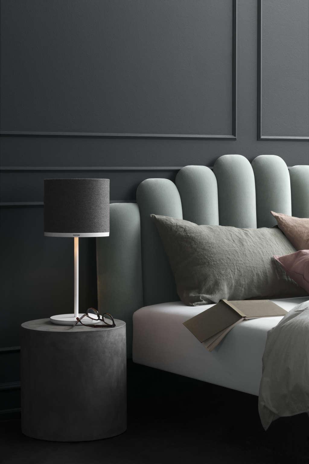 Black Light Therapy Floor Lamp