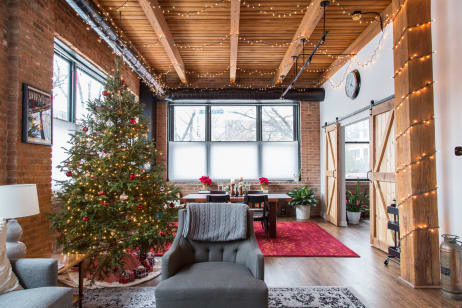 House Tour A Classic Chicago Loft Decorated For Christmas