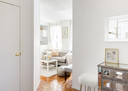 House Tour A Traditional Glam Manhattan Rental Apartment Apartment Therapy