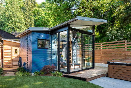 Calling All Book Lovers: This Backyard Reading Retreat Is Library Goals.  5dd72abd6a626e73a202e25295bf90f5f567da2e - Tiny House Backyard Library Reading Retreat Photos Apartment Therapy
