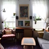 House Tour: A Comfy, Colorful Mix in 330 Square Feet ...