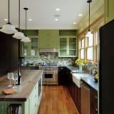 Green kitchen cabinets