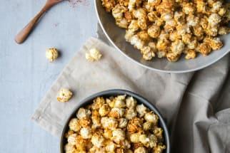 Vegan Nacho-Style Popcorn