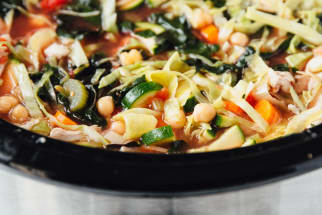 Slow Cooker Hearty Chicken Minestrone