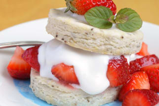 Recipe: Gluten-Free & Vegan Strawberry Shortcake
