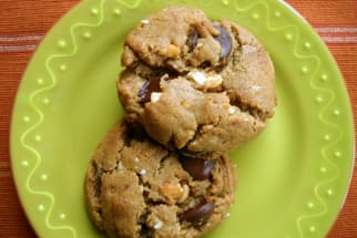 Eat Dessert Like a Mom: 20-Minute Peanut Butter Chocolate Chip Cookies