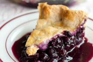 Classic Summer Recipe: Blueberry Pie