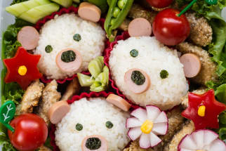 Rice balls that look like bears