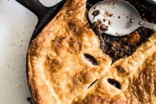 Skillet beef and ale pie