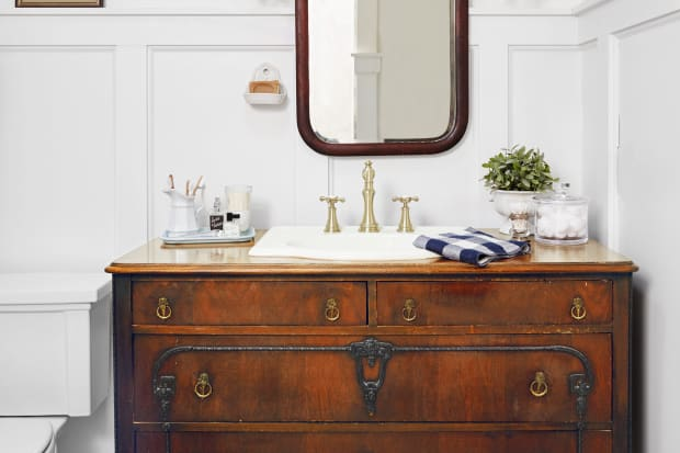 Cute Vintage Bathroom Vanity Exterior