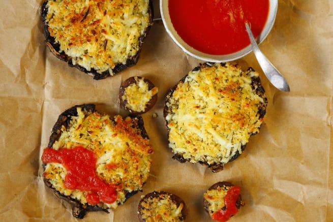 Cheesy, Crispy Pizza Portobello Mushrooms