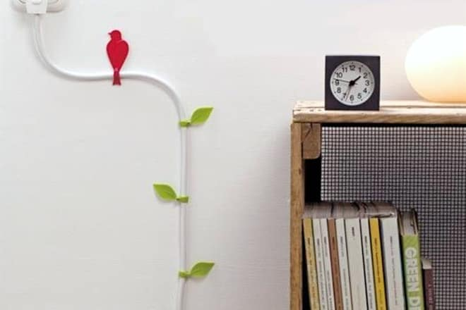 leaf and bird-shaped wire wall clips