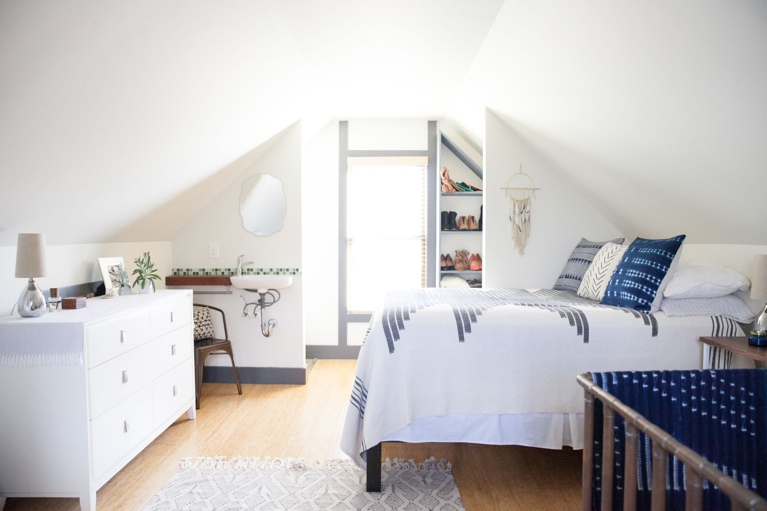 Overcoming An Awkward Space Smart Solutions From A Charming Rental Bedroom Apartment Therapy