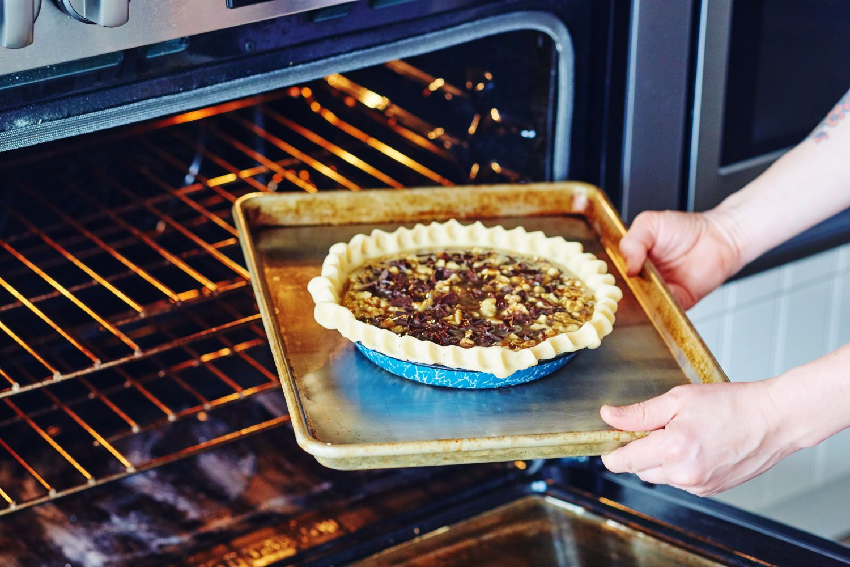 Most Essential Baking Pans Pyrex Emile Henry Kitchn