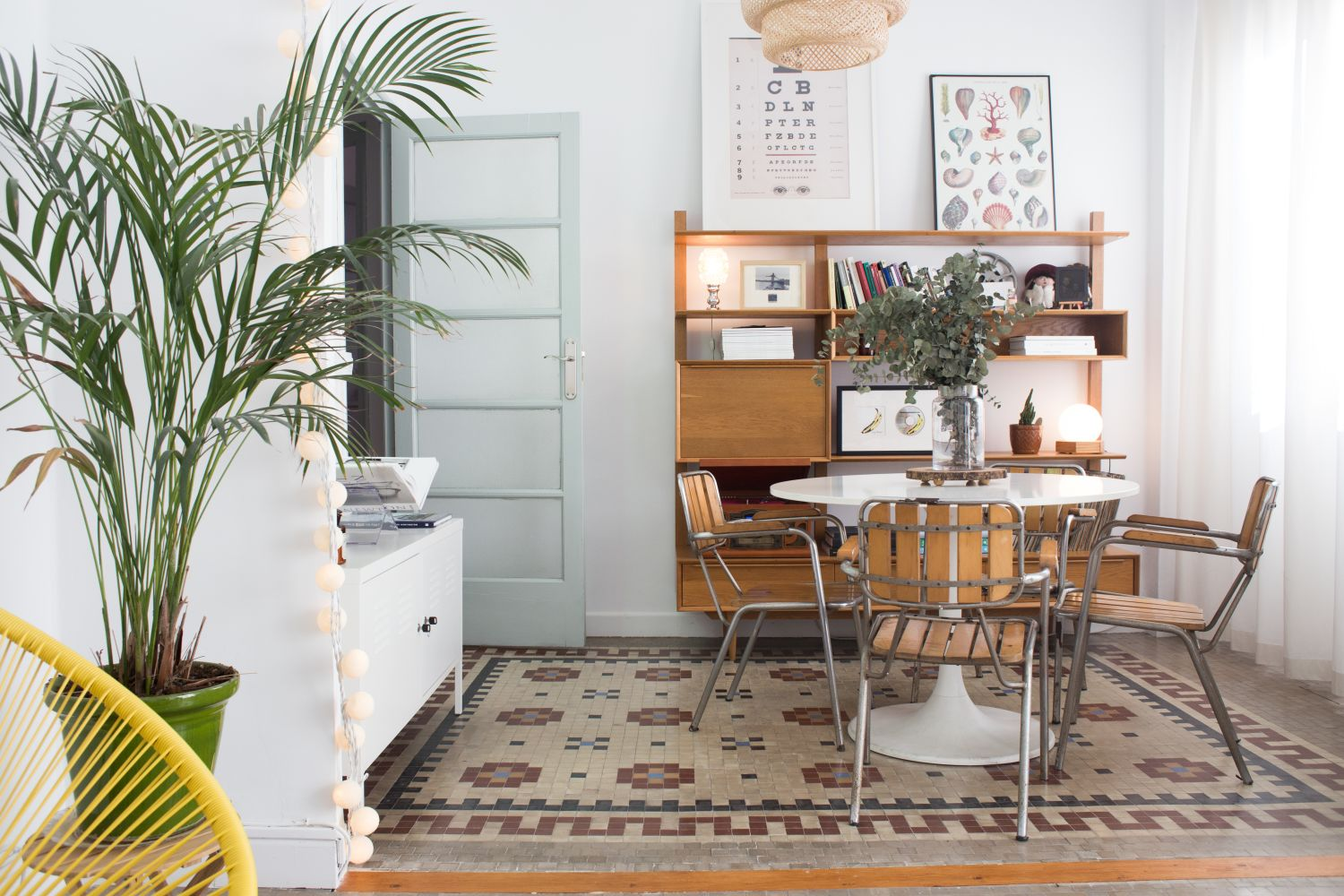 The First Apartment Checklist: Things to Buy Now & Later