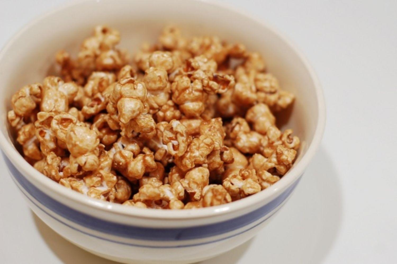 how to make caramel popcorn recipe