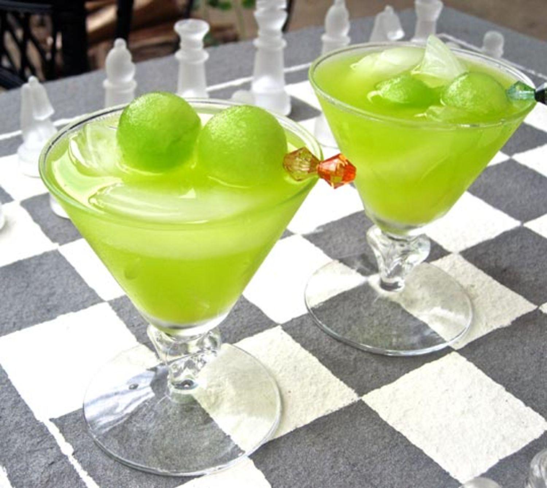 Classic Cocktail Recipe: The Melon Ball