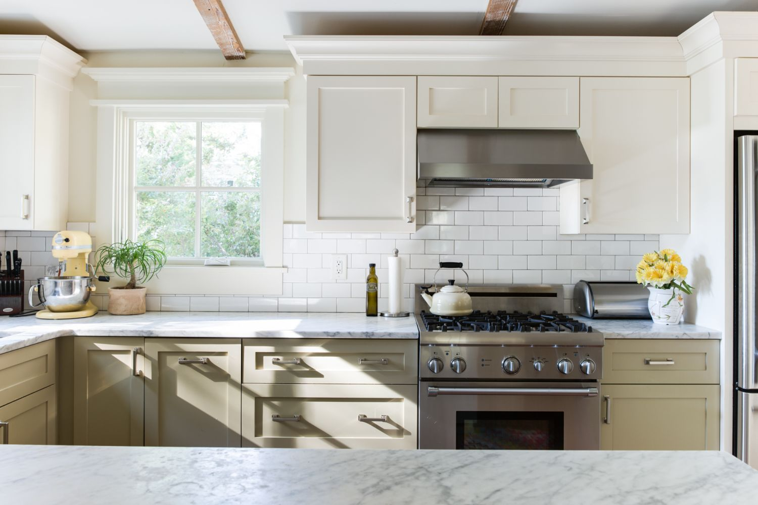 Painting Ideas - Two Tone Kitchen Cabinet Colors