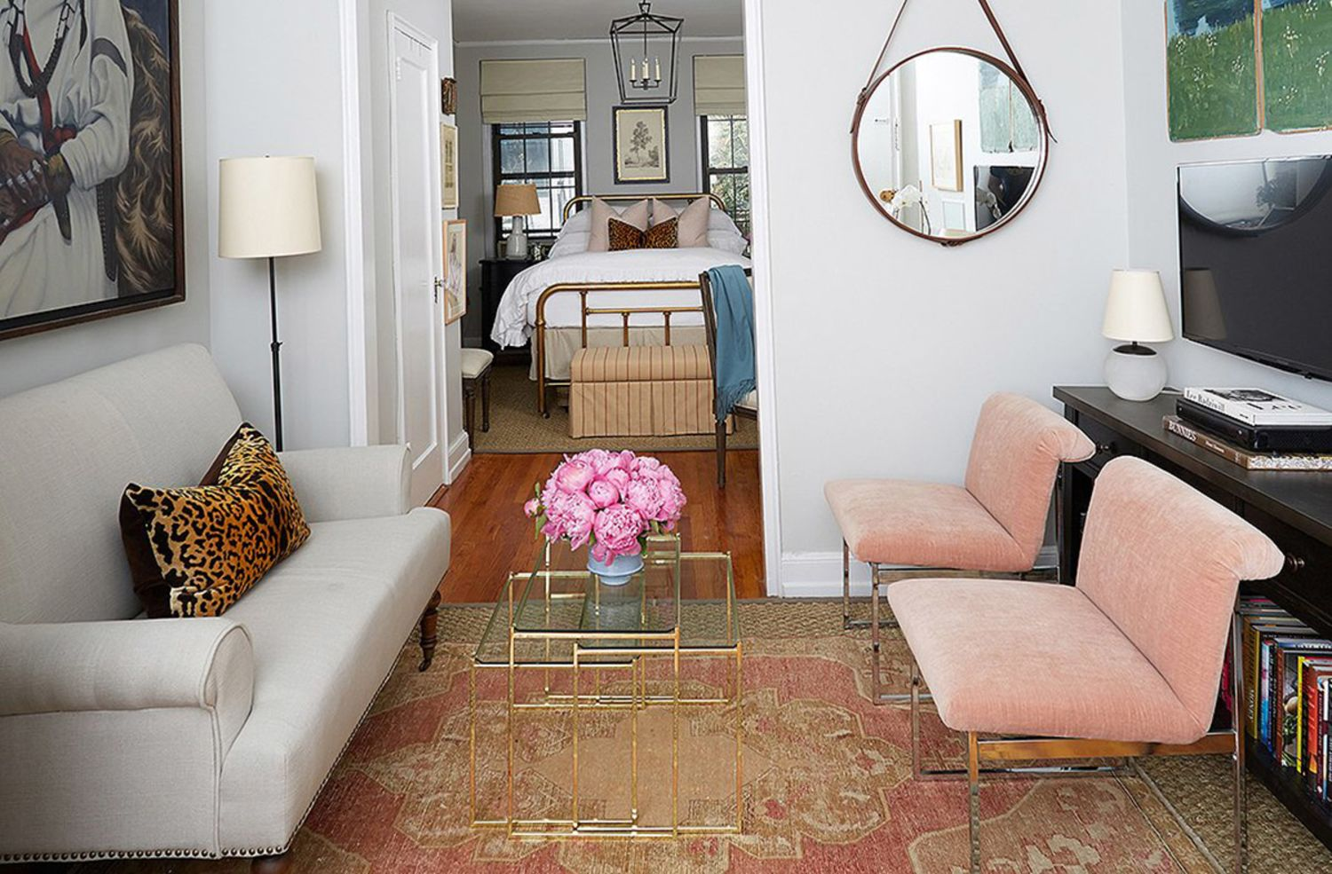 Ideas for adding a little extra seating to your small - What to do with an extra living room ...