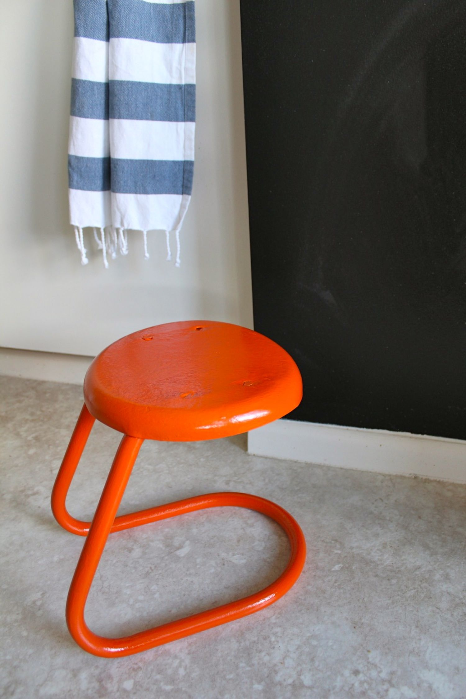 How To Spray Paint Metal Furniture Apartment Therapy
