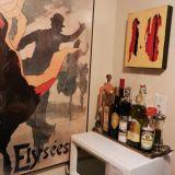 Jamie's Glossy Black Rental Kitchen —  Small Cool Kitchens 2012