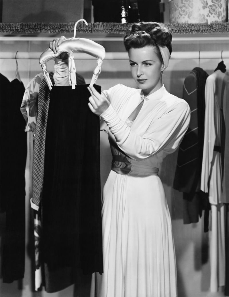 Declutter Your Closet With This 30-Second Tip