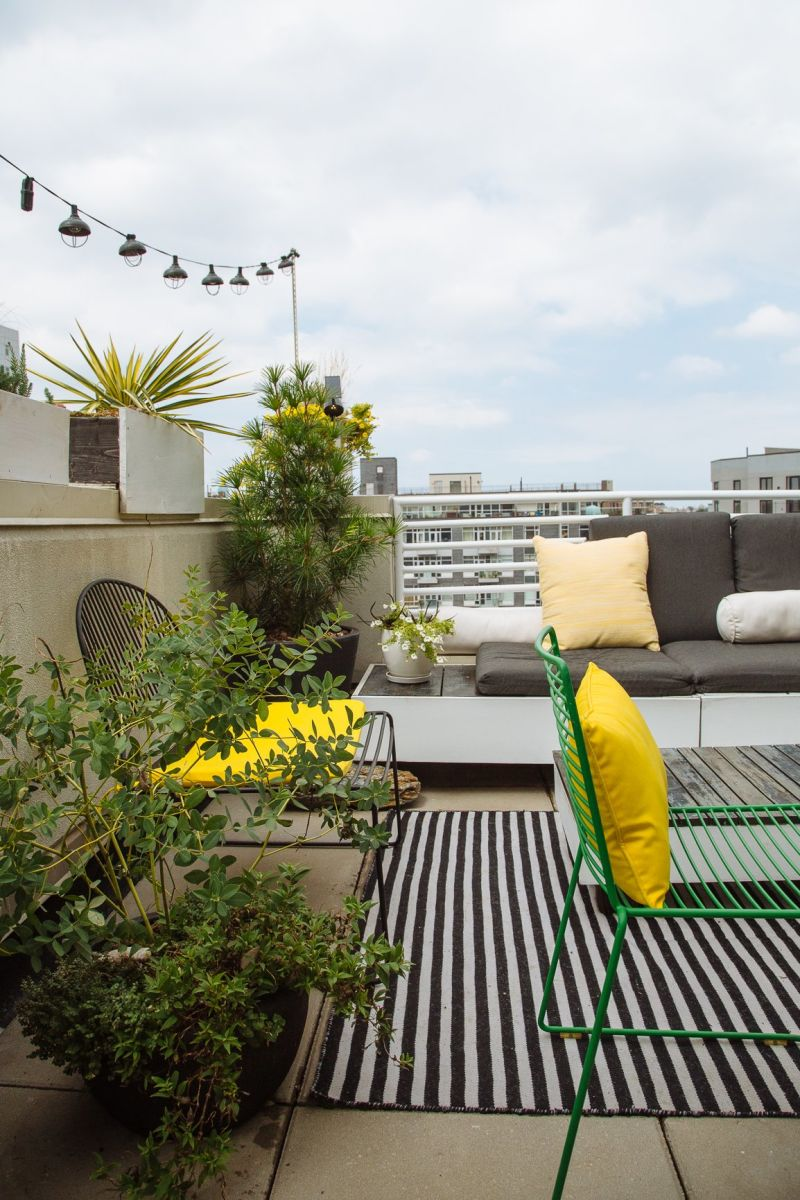 20 Outdoor Rugs For Patios Porches Balconies Apartment Therapy
