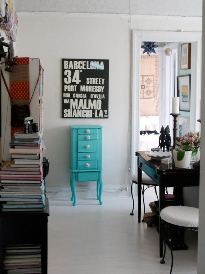 Louisa makes the most of 400 square feet apartment therapy