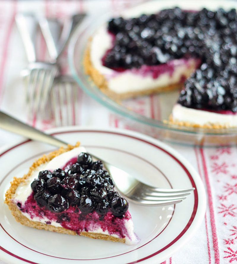 No-Bake Blueberry Cheesecake Ice Cream Pie