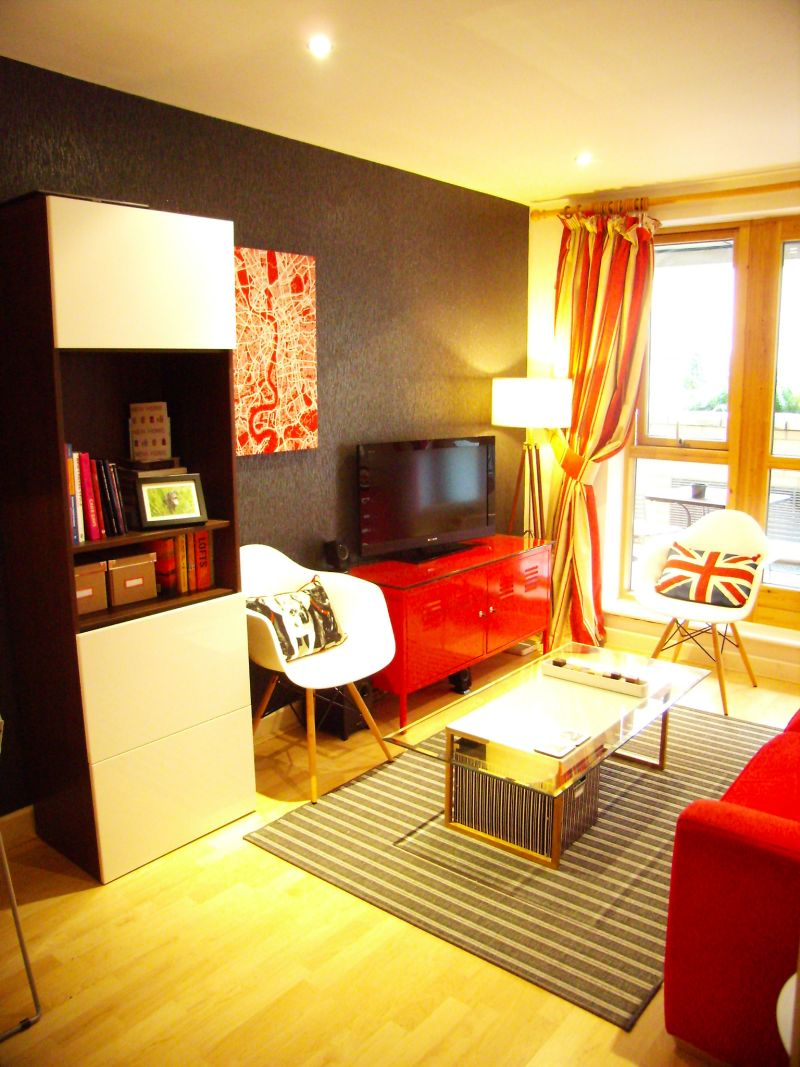 """Tono's """"Red Sophistication"""" Room — Room for Color Contest"""
