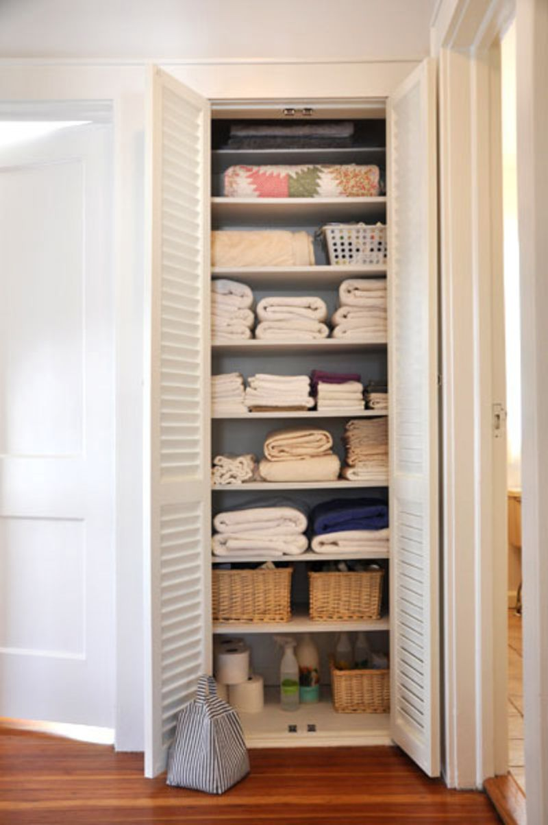 Superbe One Of The First Things I Did When I Moved Into My Home Was Turn A Dead End  Hallway Into A Hallway Linen Closet. My Home Has No Other Storage, ...