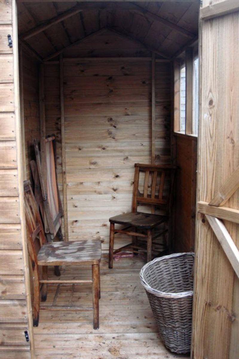 Before U0026amp; After: Artemisu0027 Tiny Garden Shed Makeover | Apartment Therapy