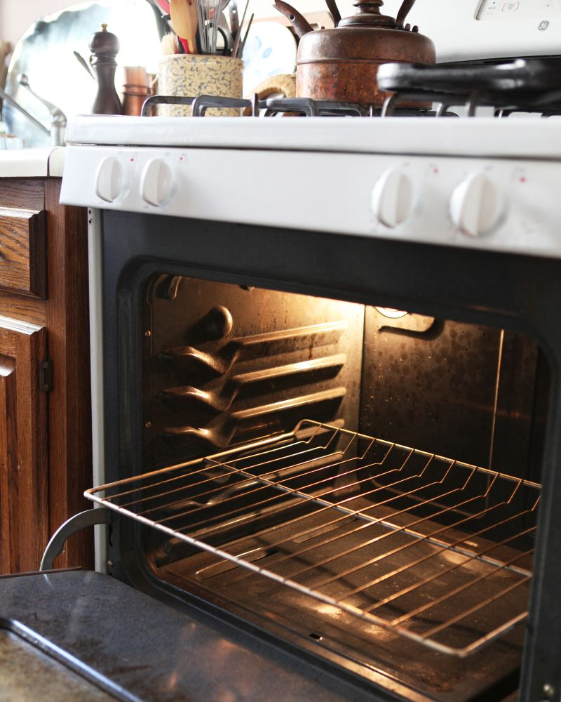 How To Clean An Oven With Baking Soda Vinegar Kitchn