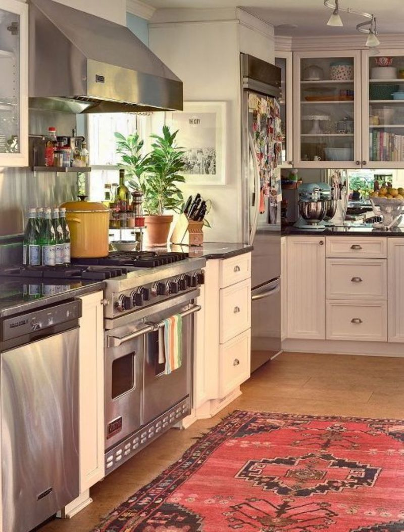 Would You Put An Antique Or Oriental Rug In Your Kitchen Kitchn