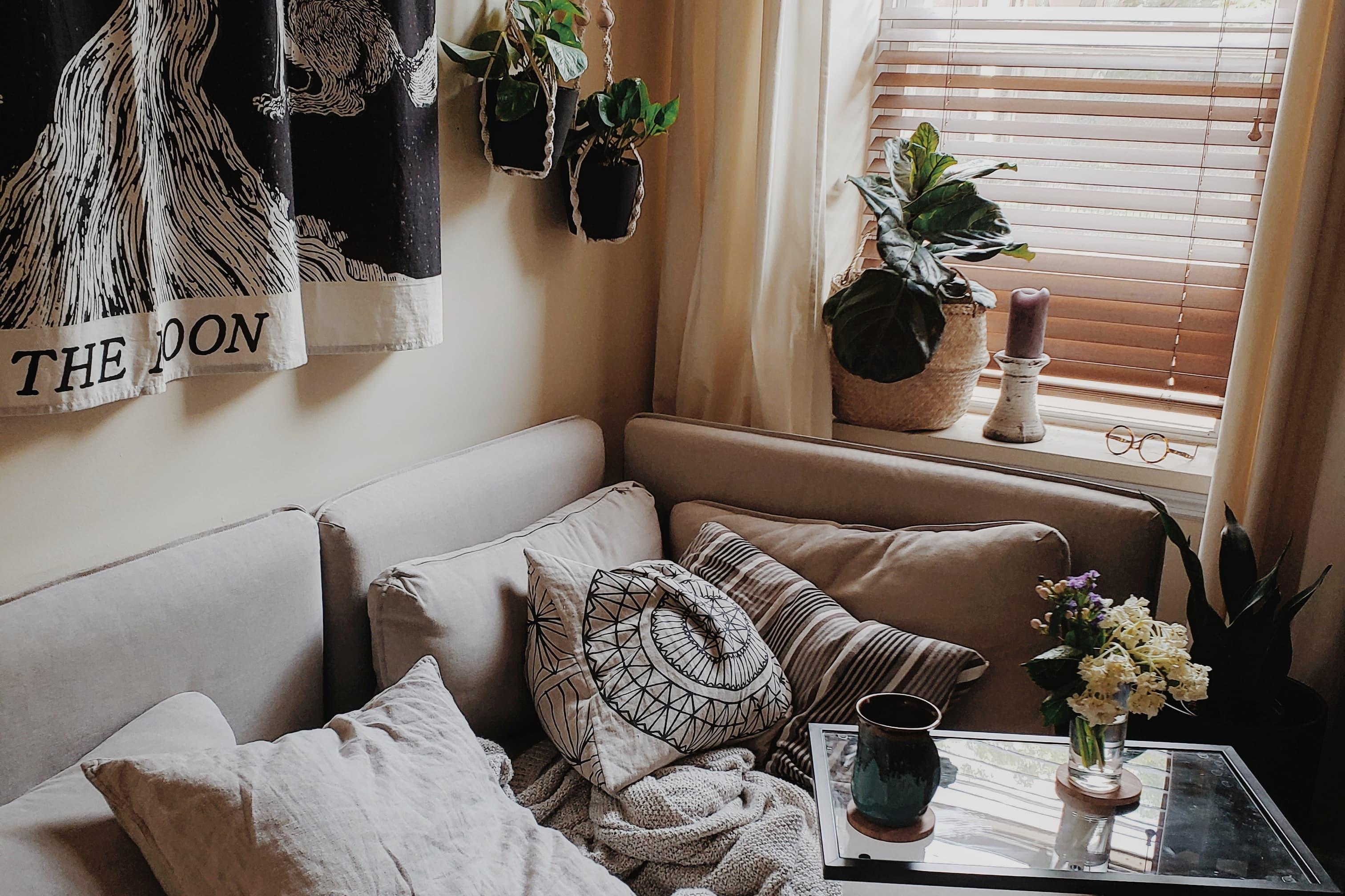 A Petite Philadelphia Studio Apartment Is 275 Square Feet of Style