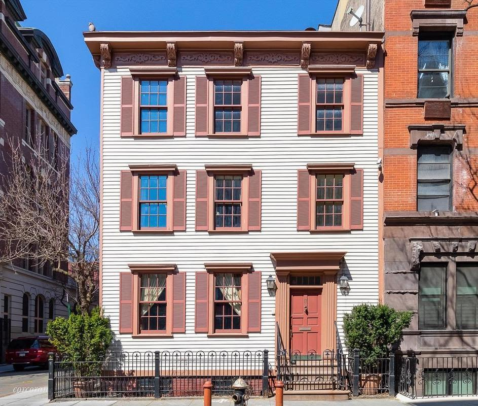 This NYC Townhouse Had an Underground Tunnel That Led to Ernest Hemingway's Prohibition Haunt