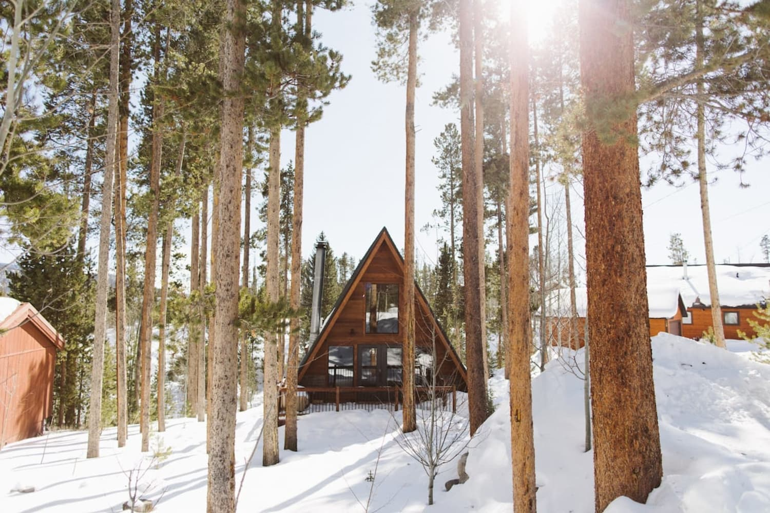 5 Airbnb Cabins That Are Perfect for Your Next Winter Getaway