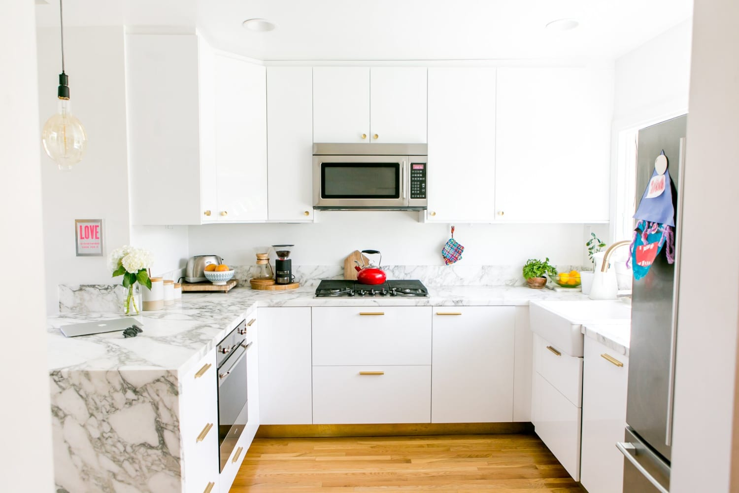 This Throwback Kitchen Cabinet Trend Is Back, Better Than Ever, and Now Hackable With IKEA Products