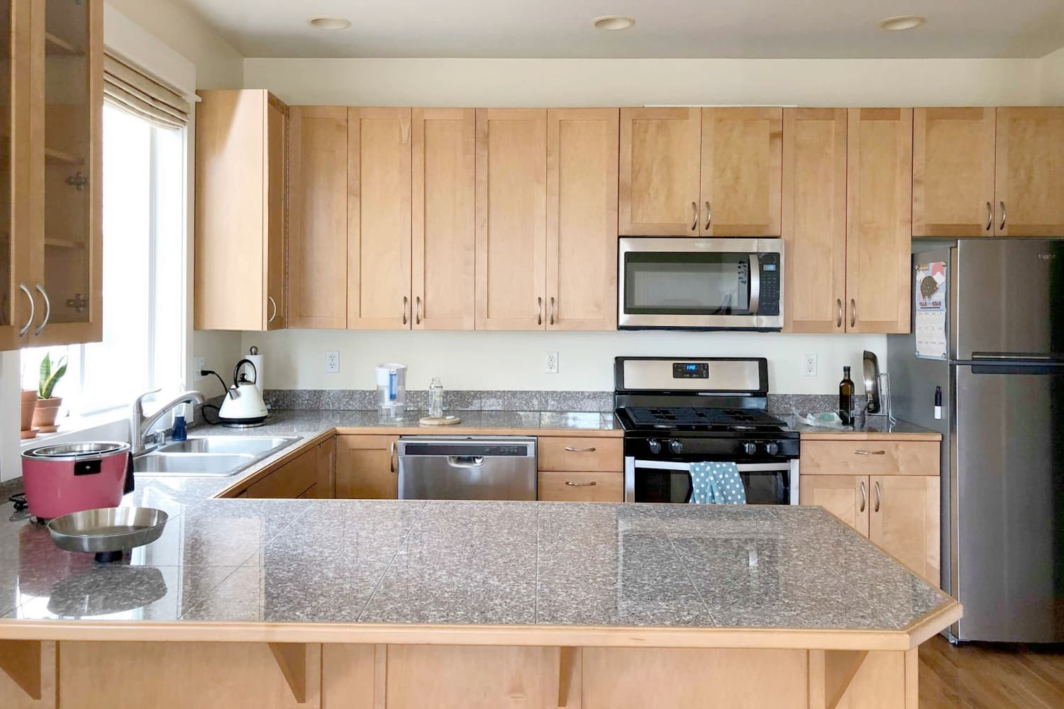 Before and After: Small Upgrades in a Kitchen with Wood ...