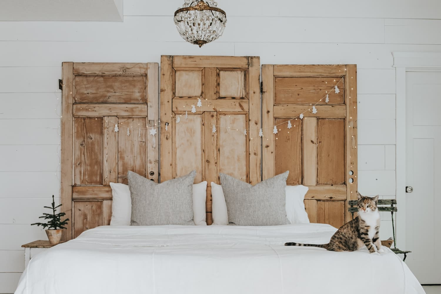 23 Dreamy DIY Headboards to Suit Every Style from Minimalist to Farmhouse