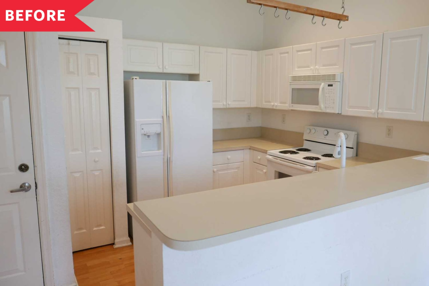 Before and After: This Kitchen's the Same Size, But Now Way More Functional