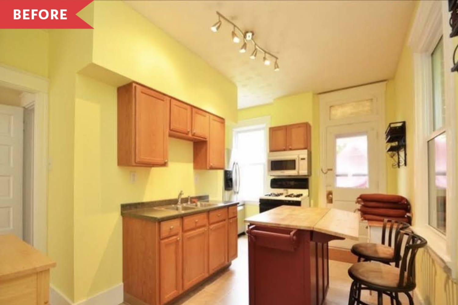 Before and After: A Two Week, $900 Redo Gives a Dated Kitchen a New Life