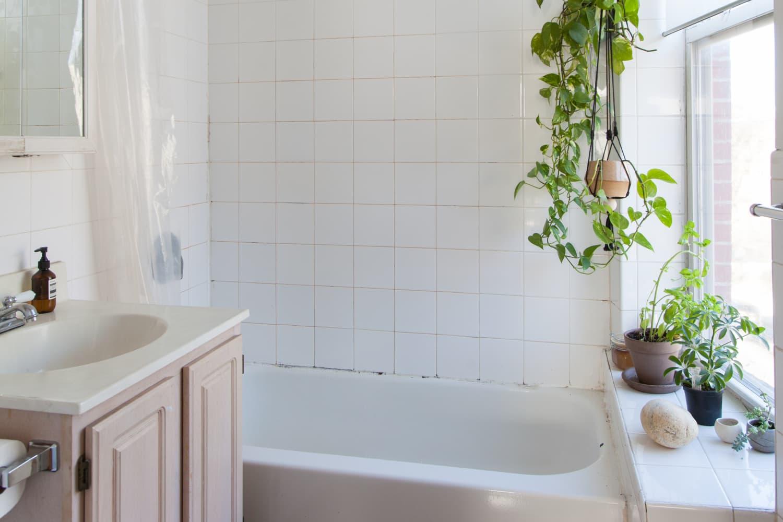 Best Wooden Bath Mats 2020 Stylish Bath Mats Made Of Wooden Slats Apartment Therapy