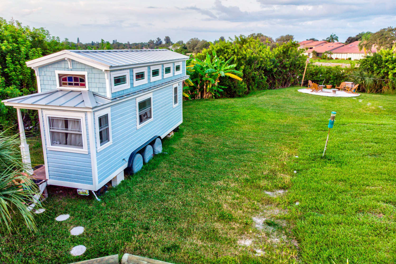 This Adorable Pair of Tiny Houses Makes Small Living Look Easy and Stylish
